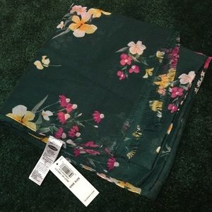 Old Navy Scarf with Flowers NWT